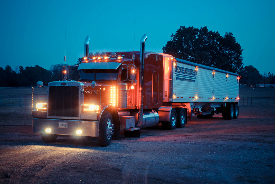 Hopper Bottoms Oakley Trucking Recruitment Site